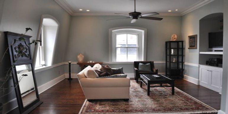resized.living room