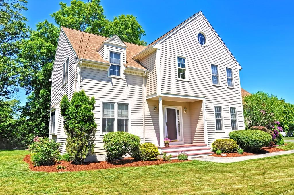 Meticulously maintained Colonial – Attleboro